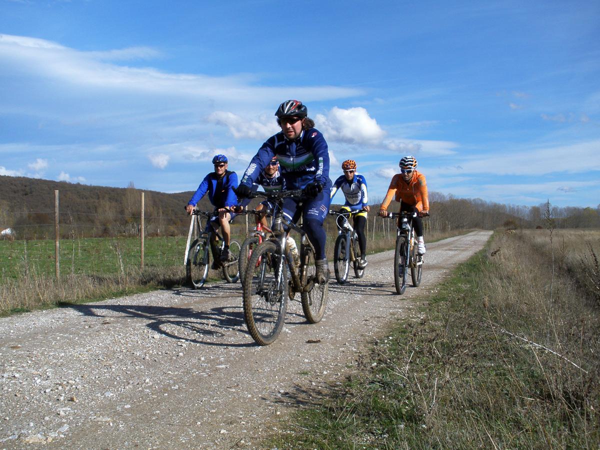 El Club Ciclista 'Montaña Palentina' reafirma un año más su compromiso con la promoción del ciclismo a través de su programa de actividades