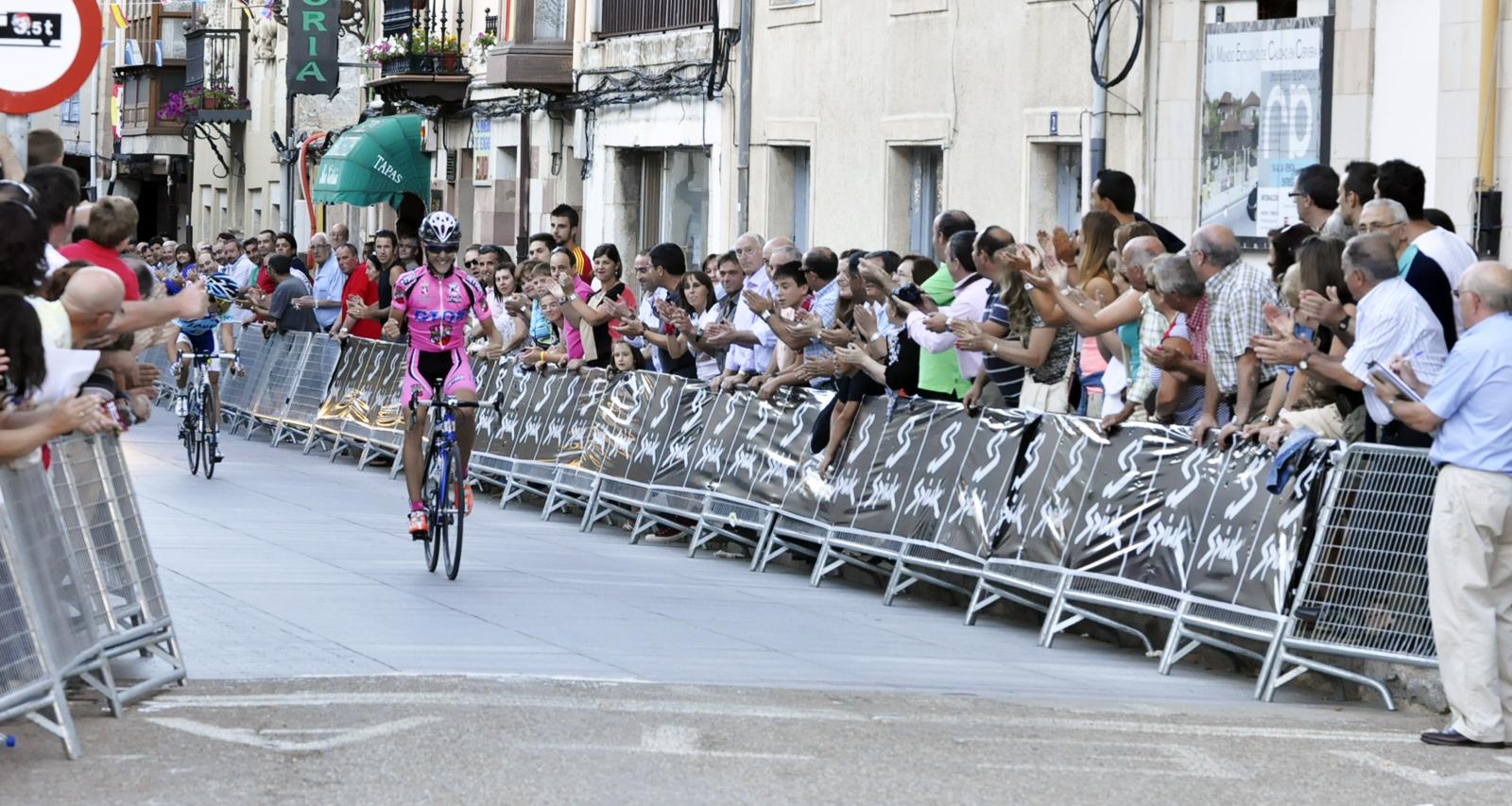 Carlos Cobos se impone en un atípico Gran Premio Villa de Cervera