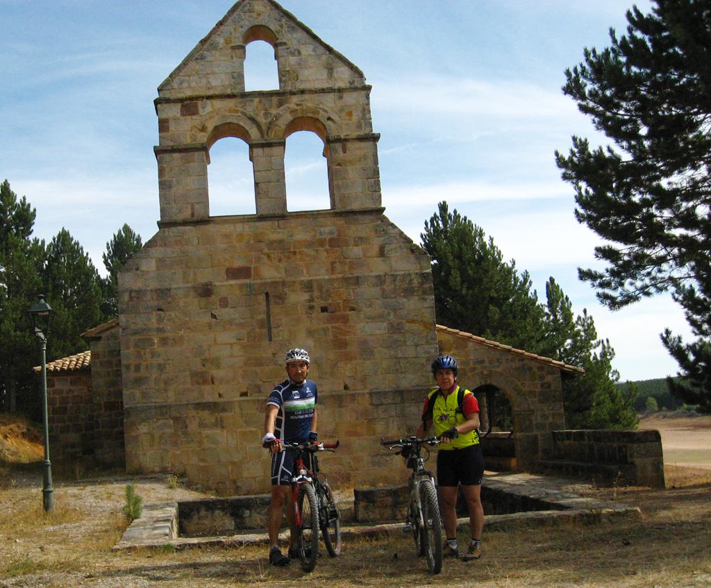 Frontada acoge por segundo año consecutivo la visita de una marcha cicloturista de nuestro Club