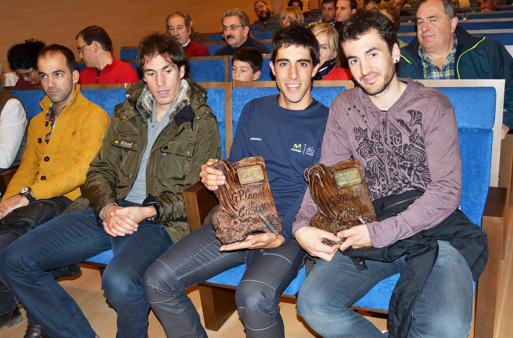 Los vencedores de la Copa España recibieron en Cervera de Pisuerga sus trofeos de campeones