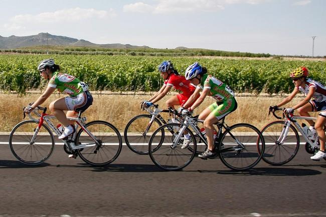 Imagen de corredoras disputando una pasada edición del Campeonato de España. Foto: rfec.com