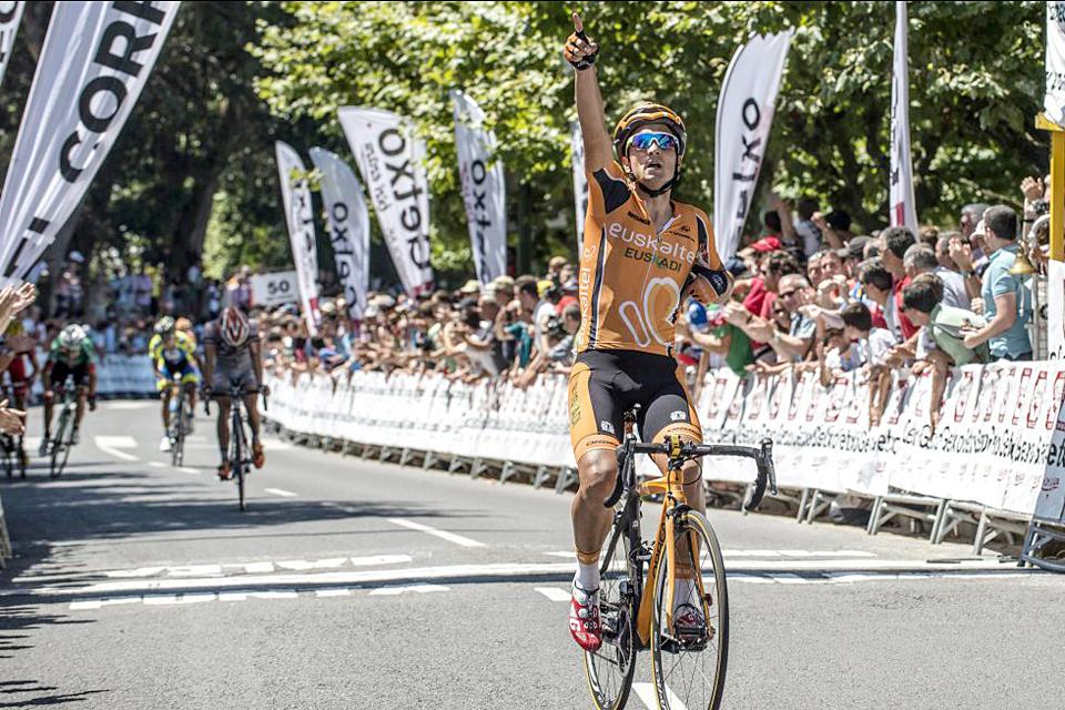 Lobato repite triunfo en Getxo y se adjudica la Copa España de ruta 2013