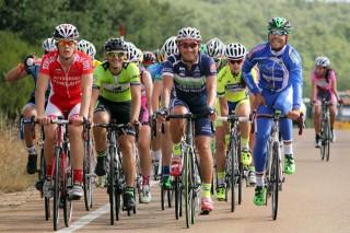 Fotografía de una de las rutas en la que los participantes estuvieron acompañados por Adrián González (Murias Team) y Ángel de Julián (Ciudad de Oviedo)